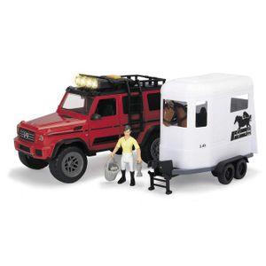 Geländewagen mit Pferdeanhänger