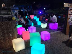 Luminatos C40, Erstklassiger LED Würfel Sitz 40x40 cm | Hocker, Sitz, Bank, Cube