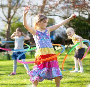 2 Abnehmbare Kunststoff-wellen-hula-hoops-fitnessgeräte - Farbwellen-typ-7-abschnitte 55cm