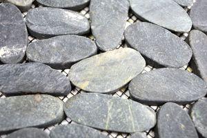 Handmuster Mosaik Fliese Flußkiesel Steinkiesel Kiesel geschnitten schwarz 5 7 MOS30-IN24_m