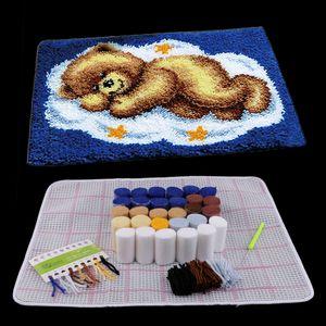 Knüpfteppich Formteppich- Bär Knüpfpackung mit Werkzeug für Kinder und Anfänger