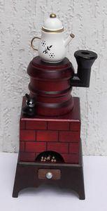 Räucherfigur / Kamin Ofen aus Holz mit Kanne 20 cm- für Räucherkerzen handbemalt