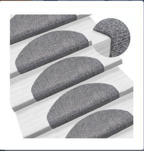 15-tlg Treppenmatten  Selbstkleb Treppenmatten Stufenmatte 65x21x4cm Nadelvlies Halbrund Grau
