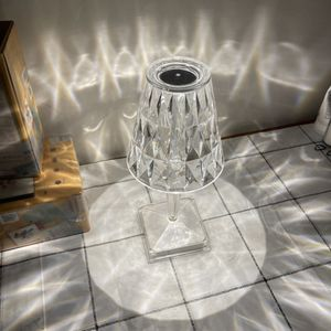 Kristall Tischlampe Elegante Nachttischlampe USB-Anschluss Dekorative Nachtlicht Atmosphäre Licht für Schlafzimmer Wohnzimmer Ankleidezimmer