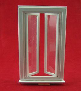 Fenster aus Holz für 1:12 Puppenhaus oder Krippe. weiß. 9,5x16,5 cm.