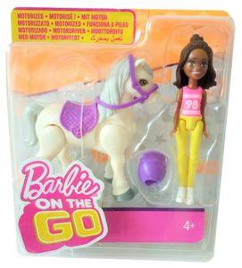 Barbie on the go Puppe mit brünetten Haaren und beige Pferd FHV61