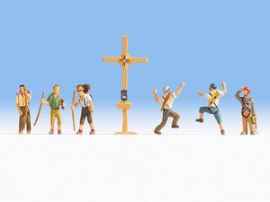 Noch 45874 Bergwanderer mit Gipfelkreuz