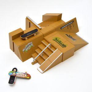 """Apollo Fingerboard Rampen-Set """"San Diego"""" 8 teiliges Set mit Komplett-Boards und Mini-Rampen"""