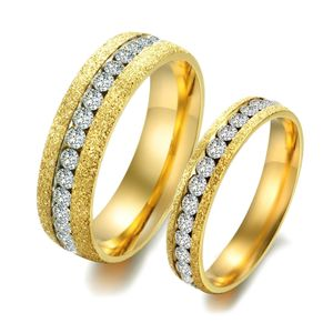 Ring Edelstahl Damen Partnerring Ehering Trauring Zirkonia Kristall Glitzer Strass Glitter Verlobungsring Herren Bandring gold 49 - Ø 15,70 mm 4 mm