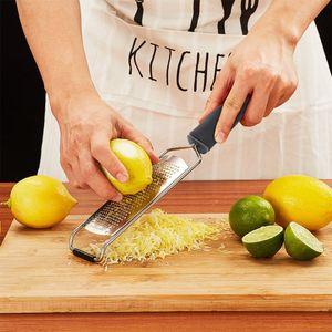 Verbreiterter Käsehobel aus Edelstahl 304, Mehrzweck-Zitronenhobel, Gemüse- und Obsthobel, elektrischer Korrosionsprozess, mit Schutzhülle