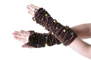Samt Armstulpen Stulpen Handwärmer mit lustigen Filzkugeln in tollen Farben, Farbe:Braun
