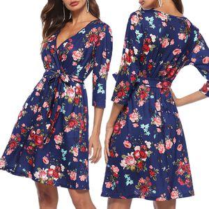 1 Stück Damen Kleid , Größe XL Farbe Blau