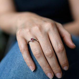 MATERIA Roter Herz Ring Silber 925 Damen - Verlobungssring Silberring rhodiniert mit Zirkonia in Ringbox 16 17 18 19 20mm, Ringgrößen:60 (19.1 mm Ø)