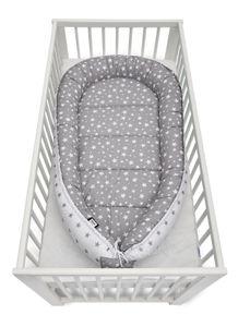 JUKKI® BabyNestchen XXL 120x65cm bis zu 18 Monaten  2seitig [Graue Sterne] Nestchen Babybett Reisebett Kokon Babynest Kuschelnest Nest