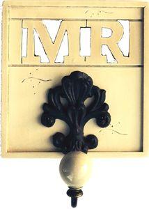 Wandhaken im Antik Style - Haken - Mister - MR - Porzellankopf creme