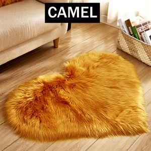 MECO Teppich Faux Lammfell Kunstfell Schaffell Shaggy Teppiche Super Weich Herzförmige Zimmer Teppich (40 x 30cm Kamel )