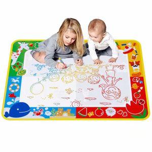 Wasser Doodle Matte 100 x 70cm, Aqua Magic Doodle Zeichnen Malmatte mit 3 Magic Stifte und Stempelset, Wiederverwendbare Aqua Zeichnung Drawing Painting Matte für Kinder Baby Toddler— QingShop