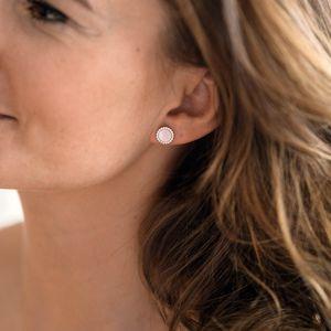 MATERIA Damen Ohrstecker rund weiß - Perlmutt Ohrringe 925 Silber Stecker mit Zirkonia 9mm SO-394-Muschel