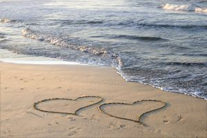 4x Tischsets Motiv 'Herzen am Meer' / abwaschbar