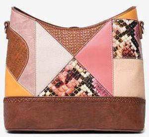 Desigual Damen 20SAXPD6-6011 BOLS_AYAX Galati Tasche mit geometrischem Puzzle-Patch camel