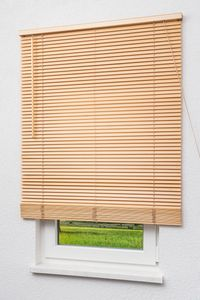 Lysel Outlet Holzjalousie 25mm in Esche in den Maßen (B x H) 60cm * 130cm