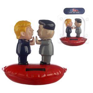 Wackelfigur Trump & Kim Jong Un in Love, solarbetrieben