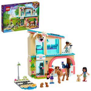LEGO 41446 Friends Heartlake City Tierklinik Tierrettung Spielset mit Mia, Savannah und Donna, Spielzeugpferd und Blindenhund