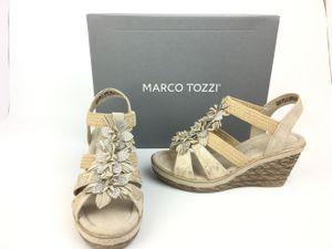 Marco Tozzi Damen Keil-Sandale beige mit Glitzerblümchen am Steg 37