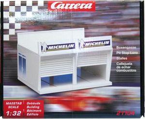 CARRERA 20021104 DIGITAL 132 / EVOLUTION Boxengasse