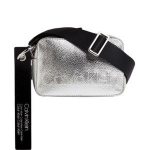 Calvin Klein Umhängetasche Camera Bag Metallic Edged Polyurethan 12 x 18 x 7,5 cm (H/B/T) Damen Handtaschen
