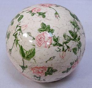 Rosenkugel, Landhaus Gartenkugel Rosenmuster, Keramik Kugel, 12 cm