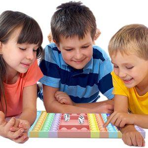 Regenbogen Schachbrett Fidget toy Push Pop It Pop Bubble Spielzeug mit 2 Würfel,Verwendet für Autismus, Stress Abzubauen