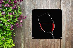 Gartenposter - Rotwein auf schwarzem Hintergrund - 100x100 cm