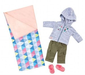 Our Generation - Outfit Deluxe - kuscheliges Campingoutfit mit Schlafsack