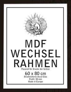 Wechselrahmen der Marke Shinsuke® für Poster der Grösse 60x80 cm aus MDF Holzfaserwerkstoff. Aussenmaß 63x83 cm, Holzoptik schwarz. 30mm Profil mit Ac