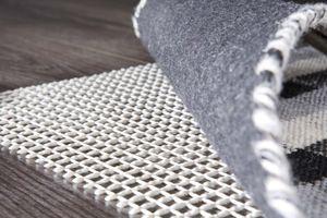 Antirutschmatte 60 x 120 cm Weiß  Teppichunterlage Teppich-Stop Teppichstopper Antirutsch Anti Rutsch Matte