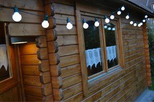 F-H-S Lichterkette 20 LED und weiße Kugeln