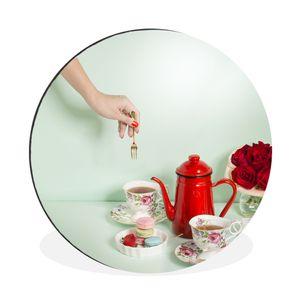 Aluminium Wandkreis - Frauenhand hebt Dessertgabel bei einem High Tea auf - Ø 30 cm