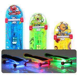 3 Stück, Kinder leichte Finger Skateboard Spielzeug Finger Skateboard Mini Set Leuchtspielzeug