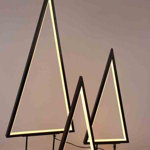 HG LED-Leuchte Tanne mit Lichtbogen J30329
