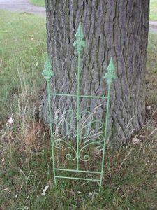 Zauberhaftes, verziertes Rankgitter, Rankhilfe, Eisen, massiv,laubgrün 96 cm