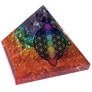 CHONIT Orgonit Pyramide, Chakra-Mix bunt mit Symbol Blume des Lebens, EMF-Schutz gegen Strahlung, klein mit Bergkristall als Deko für zu Hause