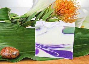 Naturseife Blumenwiese 100g, Handseife vegan, natürlich basische Seife