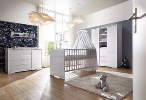 Schardt Kinderzimmer 3-teilig Maxx White bestehend aus, Kombi-Kinderbett 70x140 cm inklusive Umbauseiten, Wickekommode mit Wickelaufsatz und 2-türiger Kleiderschrank mit Mittelregal - Farbe: Weiß, 11 864 52 02