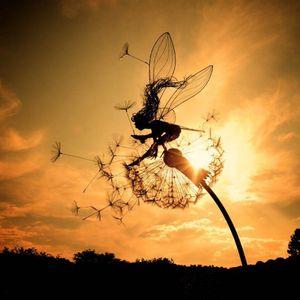 Blumenfee Statue Feen tanzen mit Löwenzahn Robin Whites Elfen Skulptur Metall Figur Deko für Garten-Patio,Märchenwelt  D