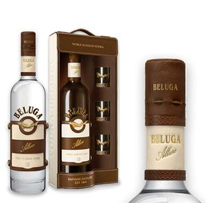 Beluga Vodka - Allure in Ledertasche - edles Geschenkset inkl. 3 Beluga Shot-Gläser 0,7l 40%