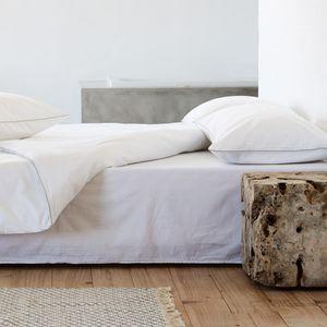 """URBANARA Leinen-Bettwäsche """"Tercia"""" – 100% reiner Leinen, Weiß mit Paspelierung in Anthrazit– 1 Bettbezug 135x200 cm + 1 Kissenbezug 80x80 cm, 2-teiliges Bettwäsche-Set"""