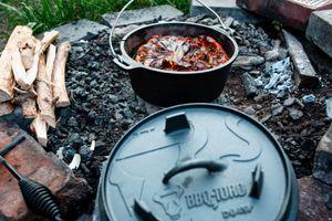 BBQ-Toro Dutch Oven DO9PX, 9,0 L Premium Gusseisen Kochtopf, Gusstopf