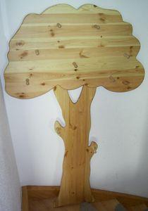 Elmato 24100 Garderobe Kindergarderobe Baumoptik Massivholz mit Haken für Jacken Kinder, Massivholz 140cm