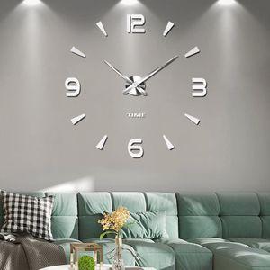 Rahmenlose 3D DIY Wanduhr XXL Stumm Spiegel Aufkleber Home Office Schule Dekoration (Silber)